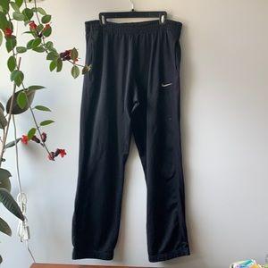 Nike Therma-Fit Black Sweatpants. Large.